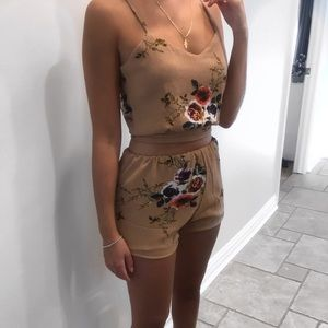 Tops - Two piece floral set